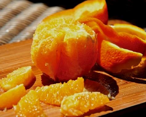segmenting an orange